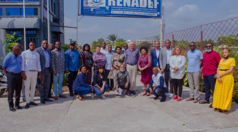 Visite de Son Excellence M. l'Ambassadeur des Pays-Bas en RDC, au RENADEF.